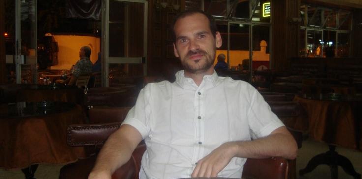 Alberto Apellidez, Café Paris, 2012
